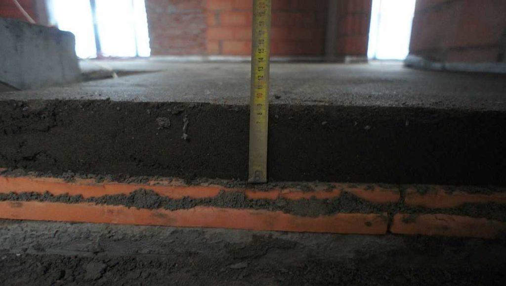 Теплоизоляция важна для первых этажей и на балконах/лоджиях