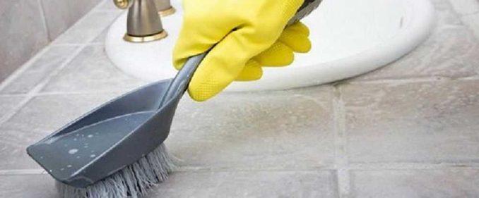 Щетки, Скребки, абразивные и неабразивные моющие средства - все что угодно, Лишь бы основание было чистым