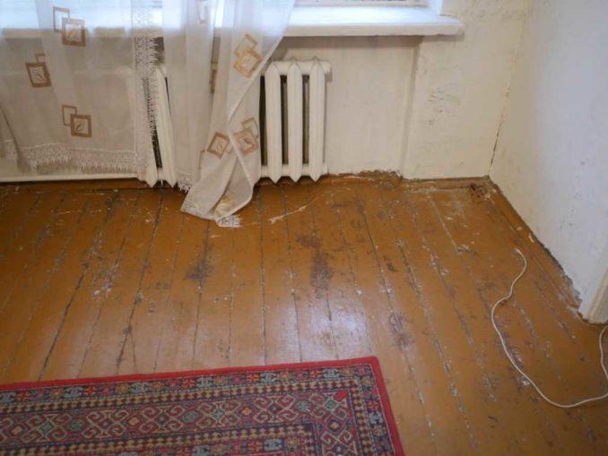 Старый деревянный пол имеет обычно совсем непрезентабельный вид