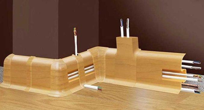 Как ввести и вывести кабель в плинтус