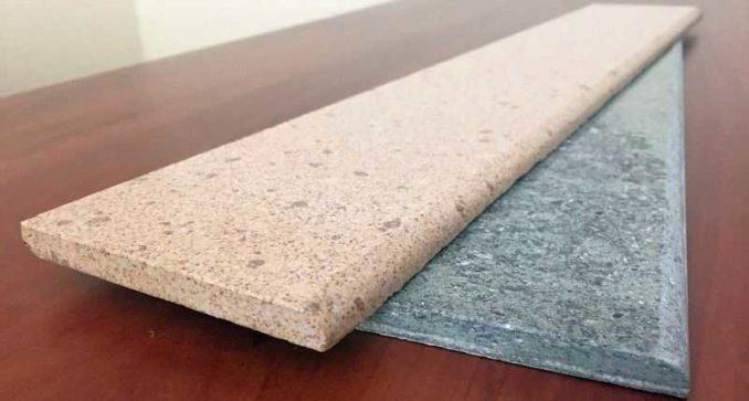 Как приклеить керамический плинтус к стене - на плиточный клей или универсальный клей