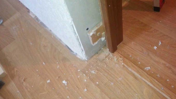 Когда устанавливать двери, до или после укладки ламината