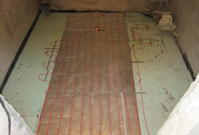 Укладка электрического теплого пола из кабеля. Пример того что он укладывается не по всей площади