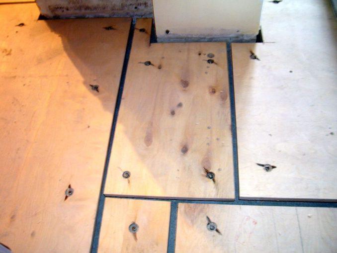 Как уложить теплый пол на деревянный пол